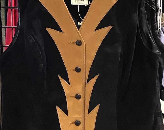 cool retro vest!  SZ L