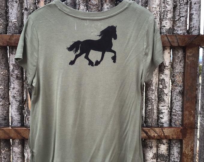 Cozy T Horse shirt SZ L