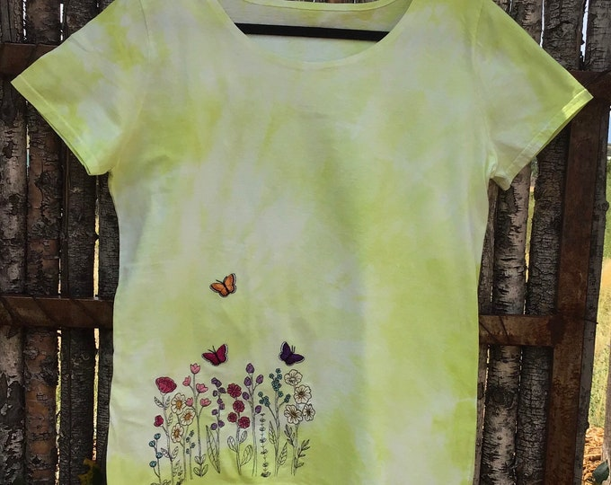 Tie dyed flower shirt!