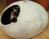 Cat bed, cat house, cat cave. Size L. Natural sheep wool. Handmade. Felt. Color snow grey. Made by kivikis.