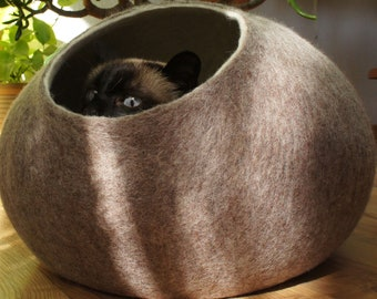 Cat bed, cat house, cat cave. Size L. Natural sheep wool. Hand felted. Color sand brown. Made by kivikis.