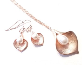 Pearl Necklace, Calla lily Necklace, pearl earrings, Calla Earring, Lily Necklace, JUNE Birthday GIFT, Bridal Jewelry Bridesmaid Gift