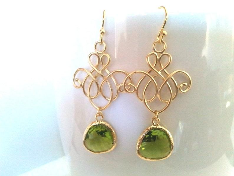 bridesmaid gifts August Earrings Wedding Earrings Green Gold Earrings Wedding jewelry Peridot earrings Chandelier earrings