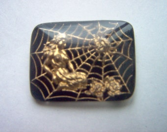 Lg. Vintage Glass Intaglio of  a Woman with a Spiderman Gold Image on Black #KKKKI
