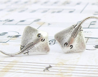 Stingray - antique silver plated hypoallergenic titanium post earrings, manta rays, ocean jewelry, vacation earrings, summer jewelry - P100