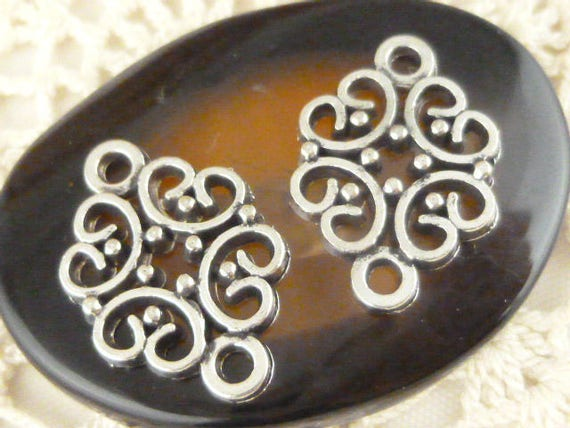6 Star charms antique silver tone S31