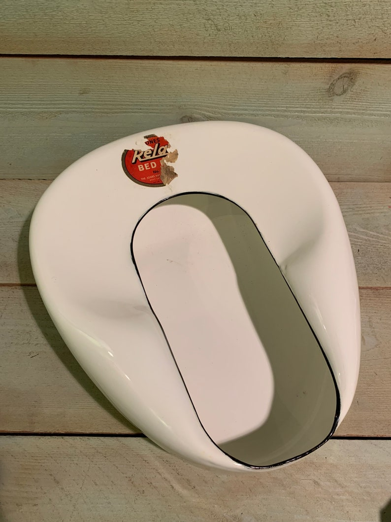 Vintage enameled Hospital bedpan medical pharmacy pharmaceutical collectible display in original box FREE SHIPPING