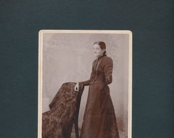 cabinet card photograph, The HIDDEN WOMAN, 1890s