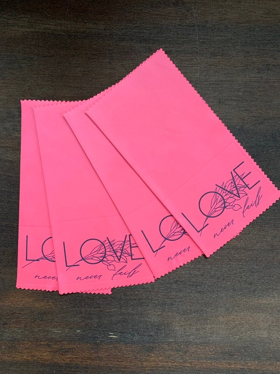 2019 International Convention Assorted Love Never Fails Gift Lens Cloths- 5 Hot Pink