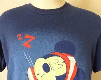 2b5acfc2 lol cute kawaii vintage 80's 90's Disney Mickey Mouse Z..ZZ. Zonked out!  sleepy good night print navy blue crew neck graphic t-shirt large