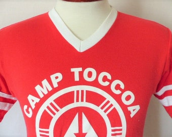 d6d6b3fd3 Camp Toccoa vintage 90 s Cam Fire USA Georgia Council red v-neck graphic  t-shirt baseball jesrey style white logo collar sleeve stripes