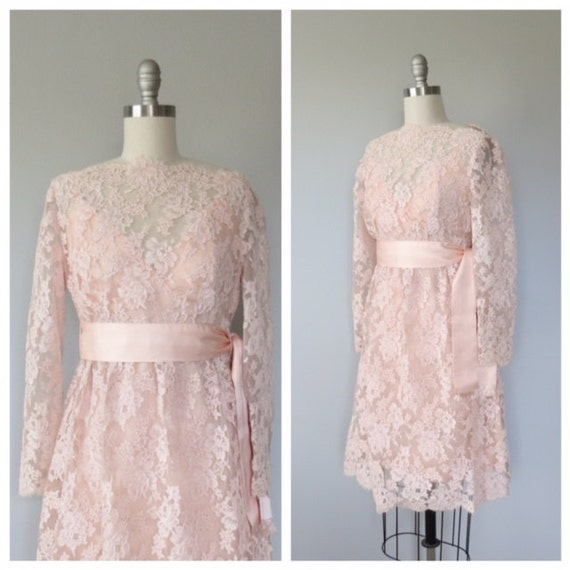 60s blush pink lace mini dress size xs / pink lace