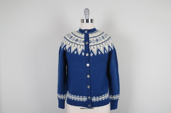 vintage 1950s hand knit faire isle cardigan sweate