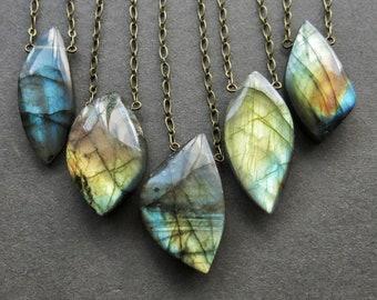 Labradorite Necklace - Gemstone Necklace - Labradorite Pendant - Boho Stone Necklace - Labradorite Jewelry - Stone Jewelry - Stone Pendant