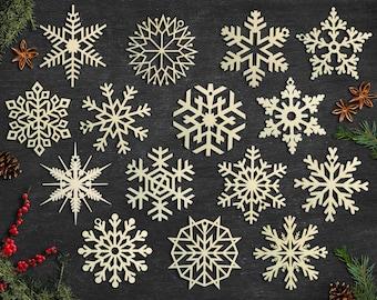 Set of 15x Christmas Wooden Snowflake Ornaments / Laser Cut Wood Decor / Christmas Gift