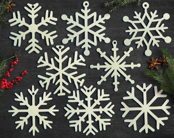Set of 8x Christmas Wooden Snowflake Ornaments / Laser Cut Wood Decor / Christmas Gift