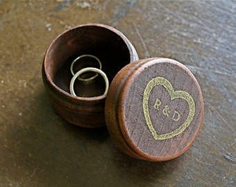 Personalized wedding ring box, Rustic wooden ring box, ring bearer accessory, ring warming, small round ring box, wedding proposal box