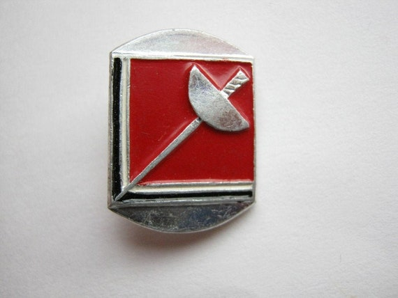 Small red cute vintage soviet union USSR sport fencing swords pin badge