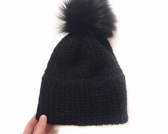 Double brim beanie   faux fur pom   black
