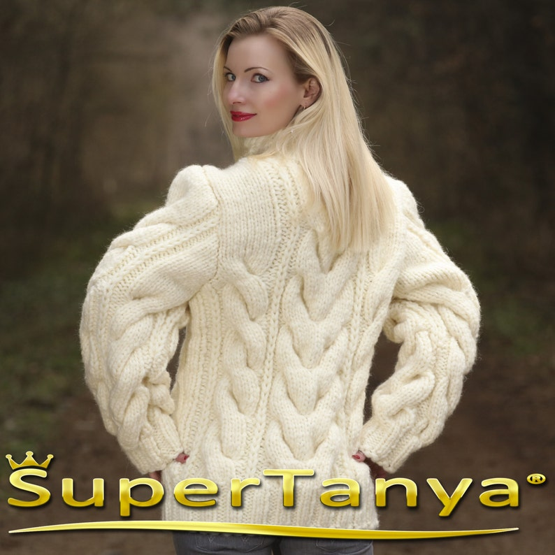 5a6bcc8341 Mega thick and heavy hand knitted mohair wool sweater in ivory