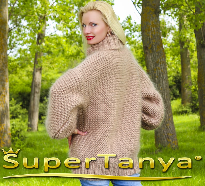 Fuzzy ribbed beige jacket by SuperTanya