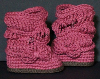 Crochet Baby Boots, Crochet Baby Shoes, Pink Baby shoes, Baby Girl Boots, Slouchy Baby Boots, Baby Gift, Baby Girl Gift, Baby Girl Shoes