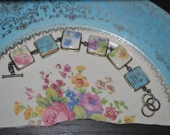 Broken China Floral Bracelet, Broken China Jewelry, Vintage Recycled Broken China Pink Blue Roses Bracelet, China Shard Mosaic, Gold Gilded