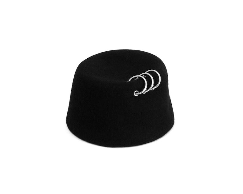 Mens cappello di feltro Mens tarbush con anelli di metallo  6101988b85c9