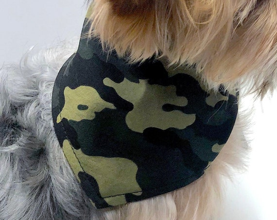 Dog Bandana, Classic Green Camouflage Reversible Tie-On bandanas for dogs