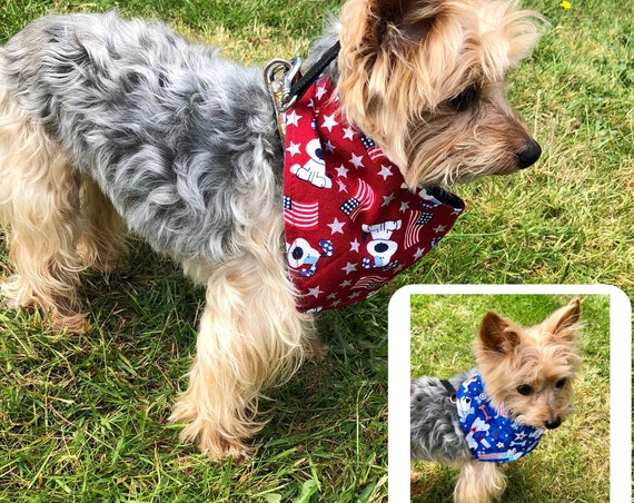 Patriotic Cute Dog Bandana, Cartoon Dogs Reversible Red Blue Americana Bandanas Dogs