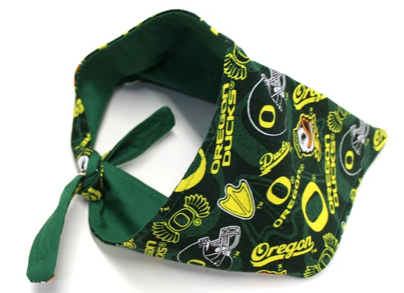 Dog Bandana, size Medium Made with U of O Ducks Green Yellow