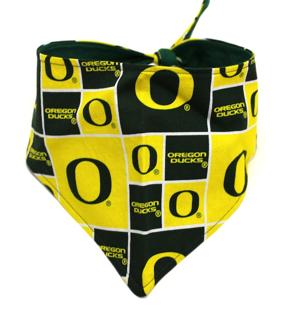 Dog Bandana, size Medium Made with U of O Ducks Checkered Green Yellow