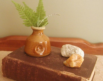 Bud Vase - Small Light Brown with Thumbprint
