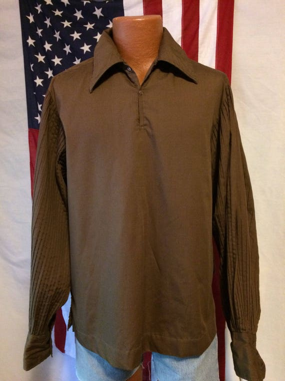Men's  brown vintage shirt with extreme puffy plea