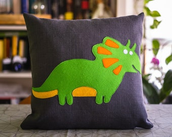 Cesare - The new cushion of the Dreamosauri collection, dinosaurs cushion