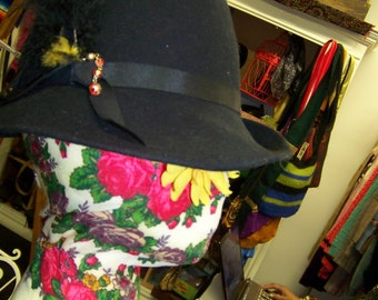 Vintage Bollman Doeskin Felt Black Vagabond Style Hat w Magic Feather    Beads e8f256de55ff