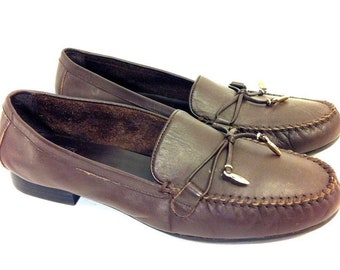 28a3cc46afcb 90 s Tan Leather Women s Loafers