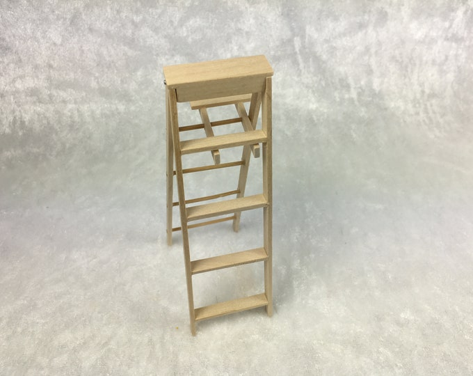 Head with Stepping stone, Painter's Ladder, Buck Ladder for the Doll's House, the Doll's House, Dollhouse Miniatures, Nativity scenes, Miniatures, model making