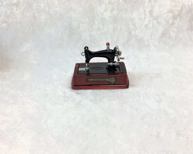 Sewing machine on base and with accessories for the dollhouse, the dollhouse, dollhouse miniatures, cribs, miniatures, model making