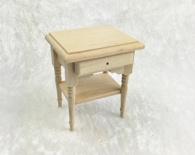 Small table, side table for the dollhouse, the dollhouse, Dollhouse Miniatures, cribs, miniatures, model making