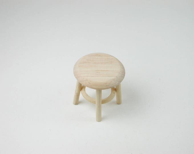 Small stool, for the doll's house, the doll's house, Dollhouse miniatures, nativity scenes, miniatures, model making
