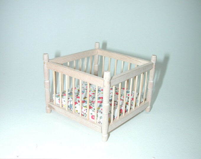 Playpen, for the Dollhouse, the Dollhouse, Dollhouse miniatures, cribs, miniatures, model building # 840-280