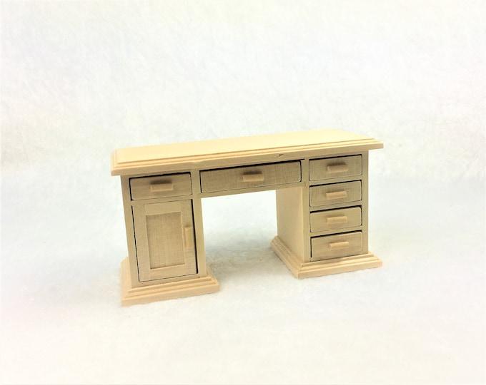 Desk, for the dollhouse, the dollhouse, dollhouse miniatures, miniatures, model making