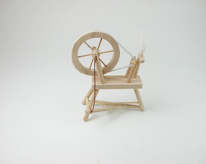 Spinnradl, for the doll parlor, the doll's House, Dollhouse miniatures, cribs, miniatures, Model # v 22103