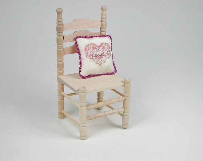 Chair 2 pieces, for the doll's house, the Dollhouse, Dollhouse miniatures, cribs, miniatures, Model # 22004