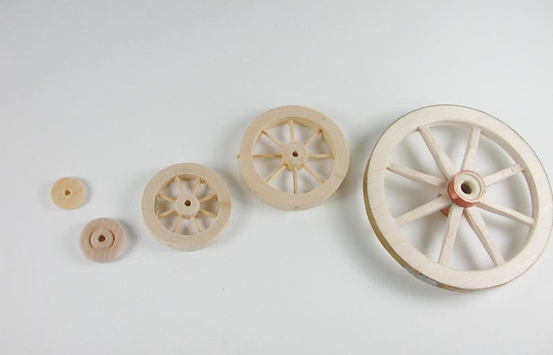 miniature Wooden wheel for the tricycle the car dollhouse miniatures the car the carriage for the scooter cribs