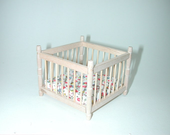 Playpen, for the Dollhouse, the Dollhouse, Dollhouse miniatures, cribs, miniatures, model building # 840-280