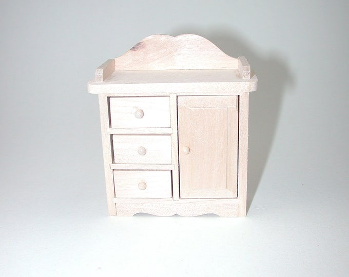 Changing table, for the doll's house, the Dollhouse, Dollhouse miniatures, cribs, miniatures, modelling # 840-820
