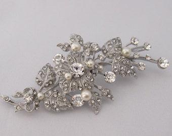 Wedding brooch pin,bridal accessories,wedding dress brooch,bridal brooch,wedding haircomb,pearl bridal comb,wedding comb,bouquet brooch