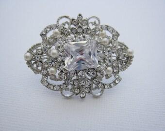 Bridal broooch,wedding brooch,rhinestone brooch bridal,wedding hair accessoriess,bridesmaid gift,wedding hair comb,bridal comb,wedding